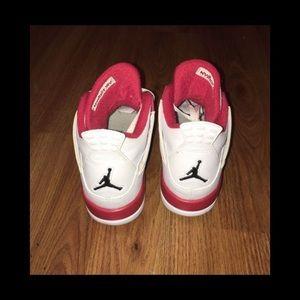 Jordan's 4.5 boys. 6.5 -7 females.